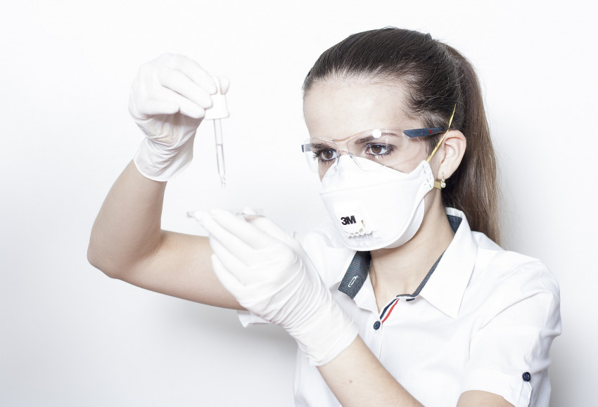 Spasí ČVUT krizi s nedostatkem respirátorů? Ten jejich se dá tisknout na 3D tiskárně!