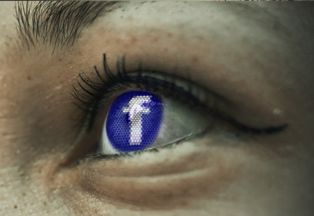 Facebook nastaví od září nový vzhled všem. Bez výjimky a bez návratu! Co si o tom myslíte vy?