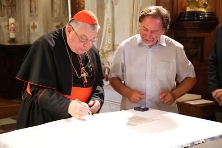 Twitter zablokoval účet kardinála Duky a nikdo neví proč
