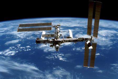 Astronauti na ISS jsou v ohrožení života. Množství unikajícího kyslíku se stále zvětšuje.
