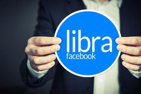 Kryptoměna Facebooku by mohla vyjít už v lednu