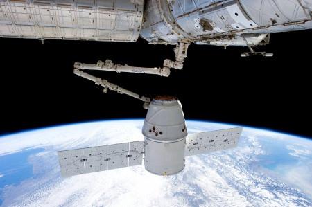Na ISS je přelidněno, velitel musí spát v raketě