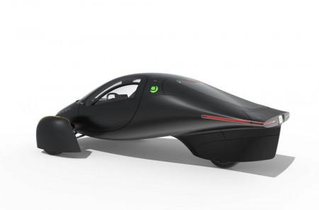 První automobil na výhradně solární pohon představila Aptera