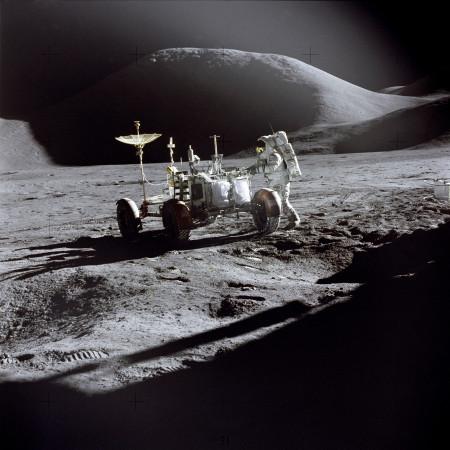 Elon chce příští rok závody RC aut přímo na Měsíci
