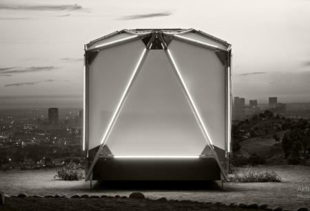 Designéři Tesla a Spacex vytvořili luxusní stan jako ze sci-fi