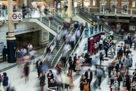 První reálná výstava mobilních technologií se uskuteční pro 50 000 lidí navzdory COVIDu