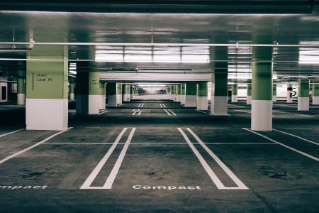 V Google Mapách zaplatíte za parkování i MHD