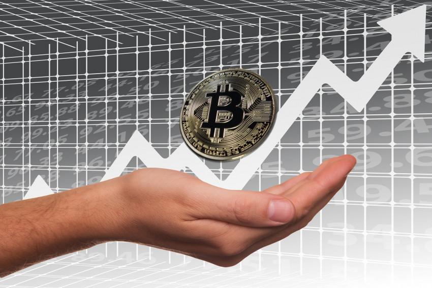 Bitcoin čeká dnes propad – končí mu opce za 133 miliard, půjde až na dno?