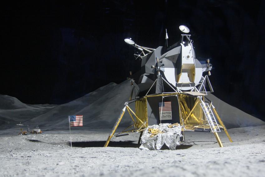 Potvrzeno – Elon Musk vrátí lidstvo na Měsíc, vyhrál konkurz NASA