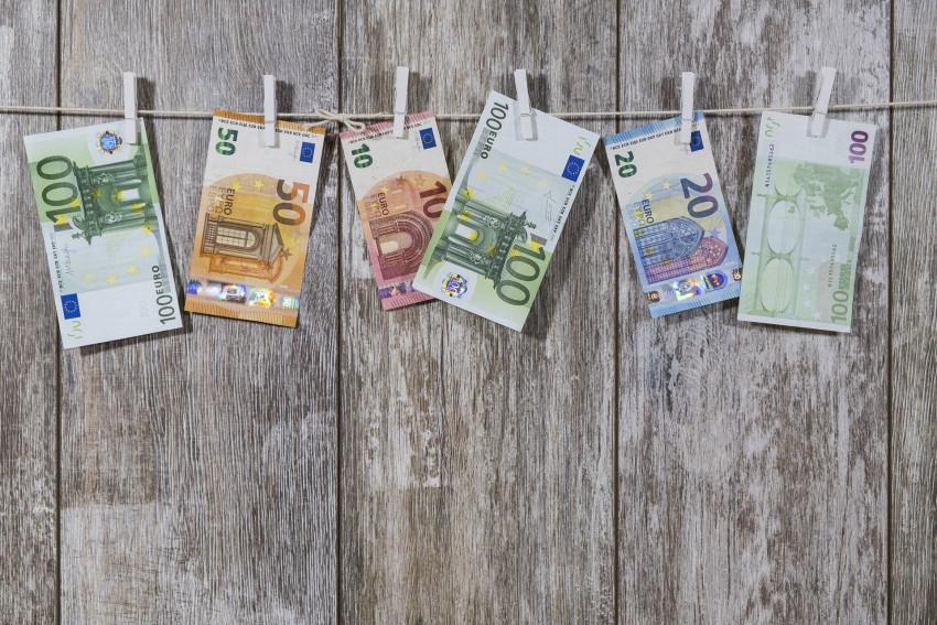 Místo našich bankovek přijde digitální euro