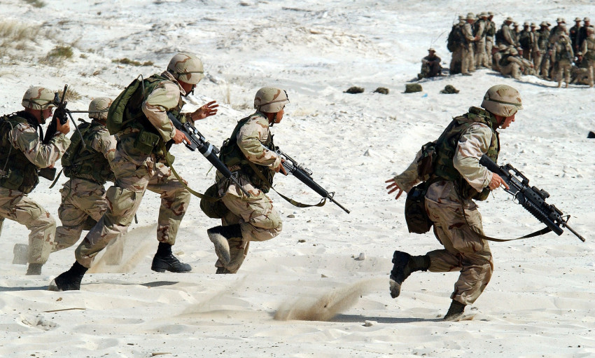 Bude válku řídit umělá inteligence? Británie ji začala již nasazovat do armády.