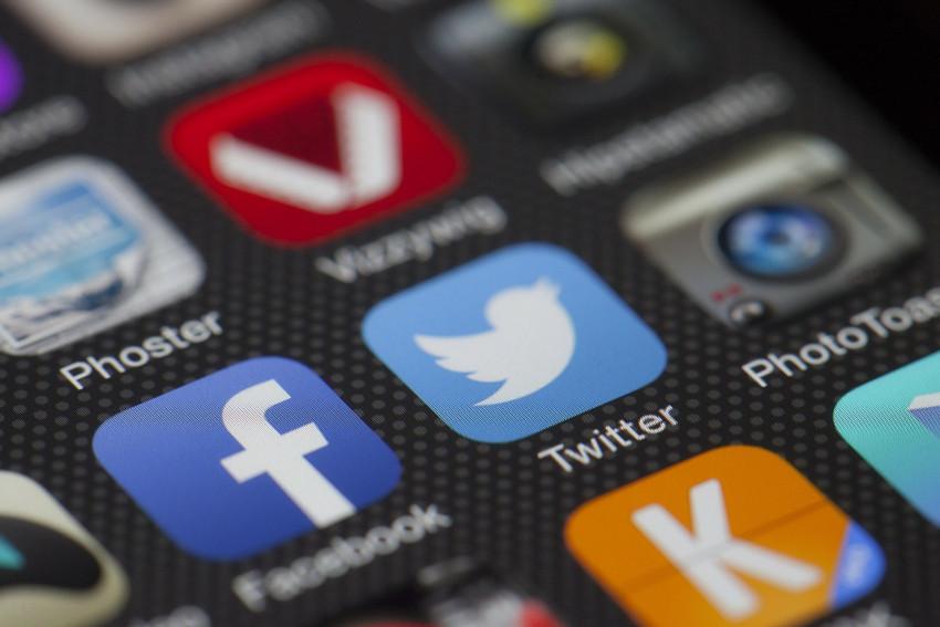 Facebook se má zásadně změnit – bude se podobat Twitteru