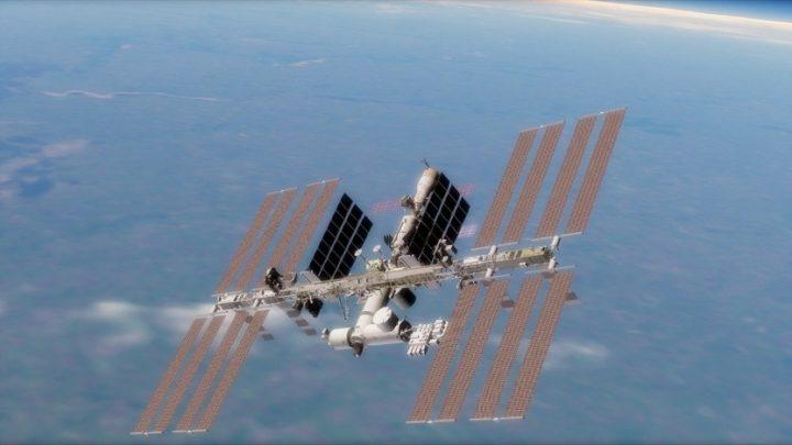 Kvůli ruskému filmu došlo na ISS málem k nejhoršímu, posádka dnes přistála